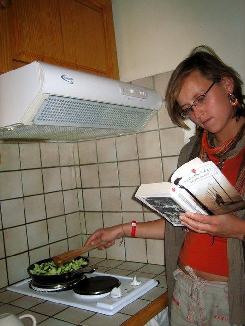En cuisinant